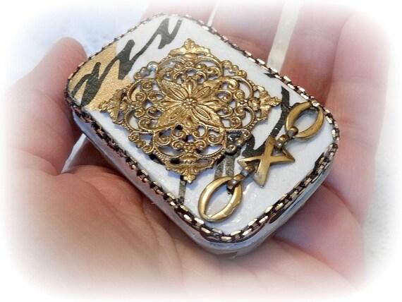 Ring box, Brides Maid Gift, Altered Altoid Mini Tin, Mini Tin, Keepsake Box, Altered Tin Box, Hand decorated Box, Upcycle Recycle, XO