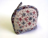 Coin purse with floral hand embroidery