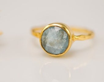 Solitaire Aquamarine ring - March Birthstone Ring - Gemstone Ring - Stacking Ring - Gold Ring - Round Ring