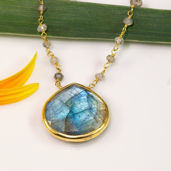 Labradorite Necklace - Statement Jewelry - Gem Necklace - Gift for her - Boho Chic Jewelry