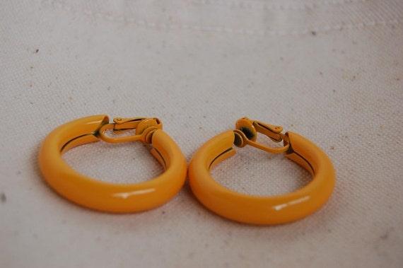 Sassy Vintage Yellow Hoops - Enameled