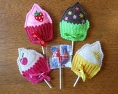 In The Hoop Cupcake Lollipop Holder Designs for Embroidery Machines
