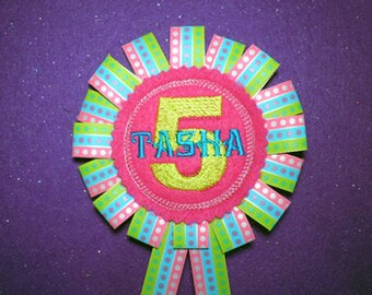 In The Hoop Ribbon Birthday Badge with number embroidery machine applique design