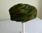 Vintage Green Feather Pillobx Hat from Evelyn Varon