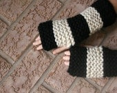 Stripe Knit Wrist-Warmers Chunky Texting Gloves in Black and Wheat/THE ELKS