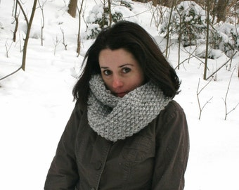 Chunky Infinity Scarf // Circle Cowl // Marble Grey // The Textured Canuck Twister