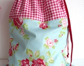 Shabby Chic Laundry Bag. Lingerie Bag. Large. Roses and Gingham. Picnic - PeriDotbyDuni