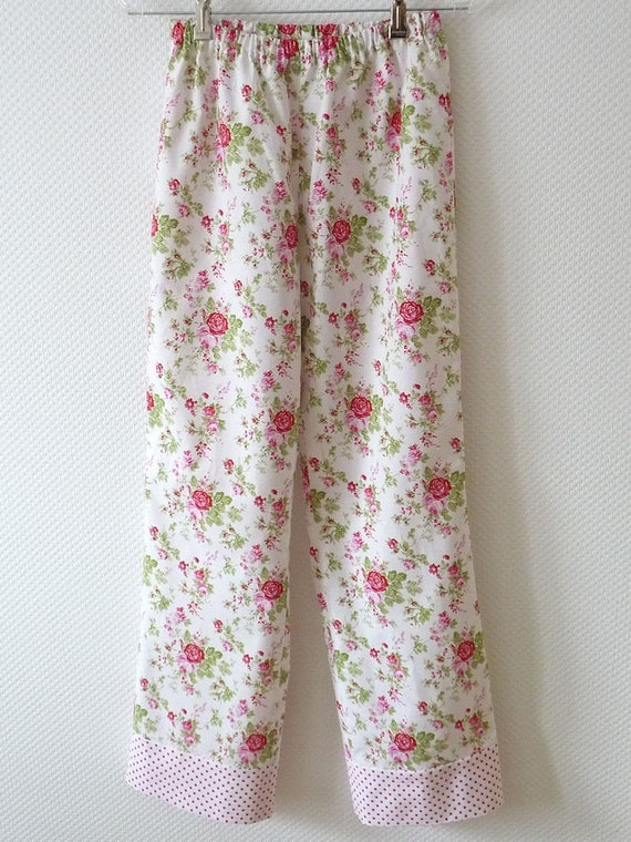 Floral Pajama Pants. Size Large. Romantic Rose Print in red. pink. white