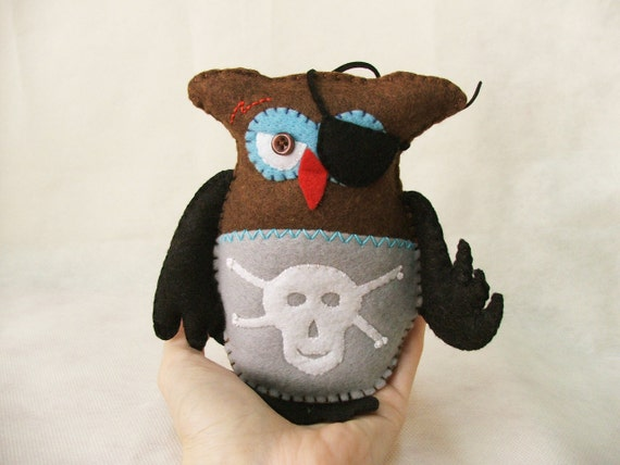 The pirate owl - John - Made to order