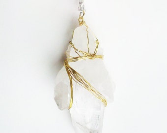 Mixed chain necklace with big crystal pendant