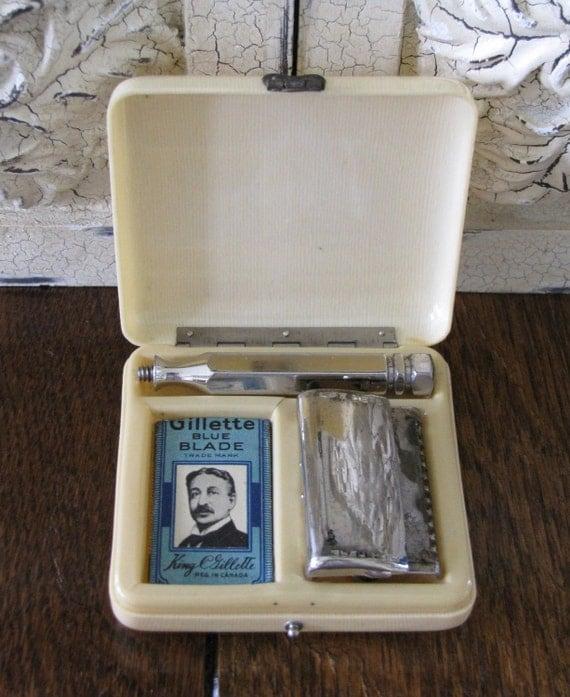 """Vintage """"Ever-Ready"""" Razor Shaving Kit In Original Case"""