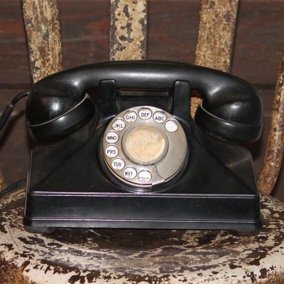 1940s Vintage Black Bakelite Telephone
