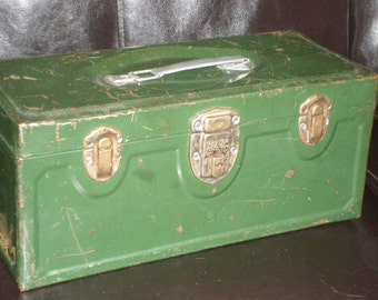 Green Tackle Box Metal Lift Tray Box-Industrial Rusty/ Distressed Painted Tin Tackle/Tool  Box With Awesome Lift Out Divided Tray