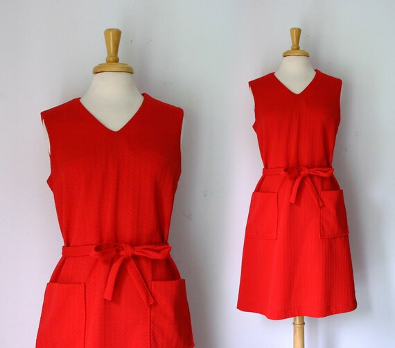 1960s bright red midi length A-line dress with zigzag texture, size large