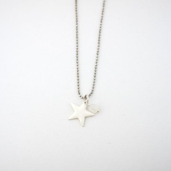 Mini star necklace (white)