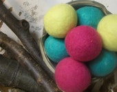 Wool Dryer balls, set of 8 hot  brights Free Shipping  to USA