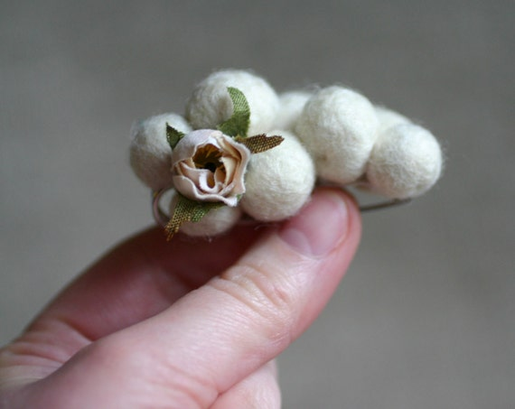 Romantic wool felt pin in cream with rose bud - Annabel Lee Brooch