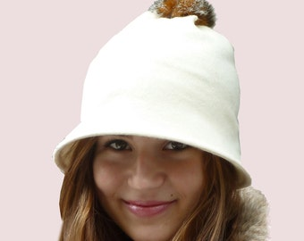 Pompom Bell Beanie Hat, Casual Brimmed Hat with Faux Fur Trim in Winter White Cream Soft Wool Knit