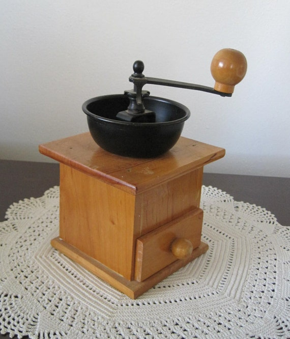 LAST CHANCE - Vintage 1980s Hand Crank Coffee Grinder