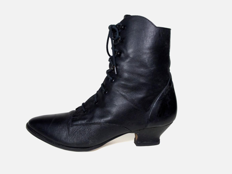 vintage black lace up boot size 8