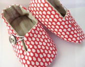 Baby Shoes. Red and White. Raindrops. Slippers. Fabric. Loafer Booties. Button. Vegan Friendly.