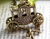 Vintage effect brass retro copper carriage and high heels necklace pendant - jewelry with vintage style