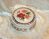 Music Box Heritage House Bouquets of Love Limited Edition