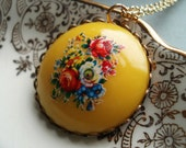 Flower Necklace Nostalgic Posy Sunshine Yellow Vintage Acrylic Floral Cabochon Gold Plated Chain Red Roses Blue Flowers Ships from Canada 2