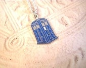 Tribute to Doctor Who TARDIS Time Machine Necklace