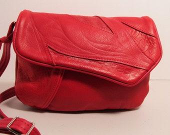 RED LEATHER DIVIDER shoulder crossbody bag