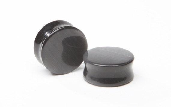 2ga (6mm), 0ga (8mm) Black Cats Eye Plugs