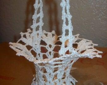 Lovely Crochet  Basket Wedding/Quinceañera/Aniversary/Birthday Favor Guest Gift