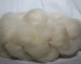 4oz White Bluefaced Leicester Roving