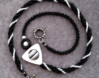 Marriage - Beadwoven Necklace Black & White Spiral Rope