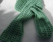 Green Keyhole scarf