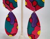 Big 80s color earrings pierced