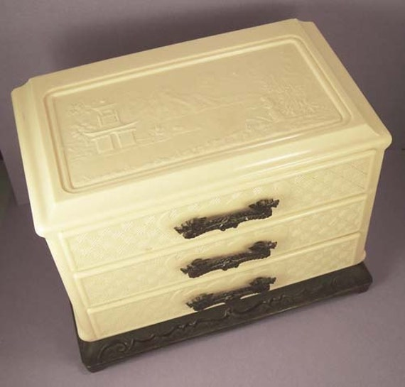 Vintage Ivory Color Celluloid Chinese Trinket Jewelry Box