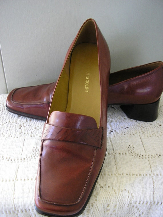 Reserved for April                vintage shoes / size 7 1/2 / Enzo Angiolini leather loafer