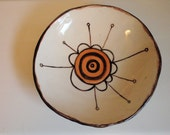 Medium bowl with bee flower
