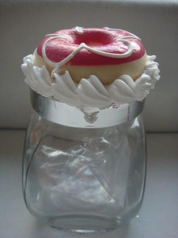 Jar - Strawberry glazed doughnut