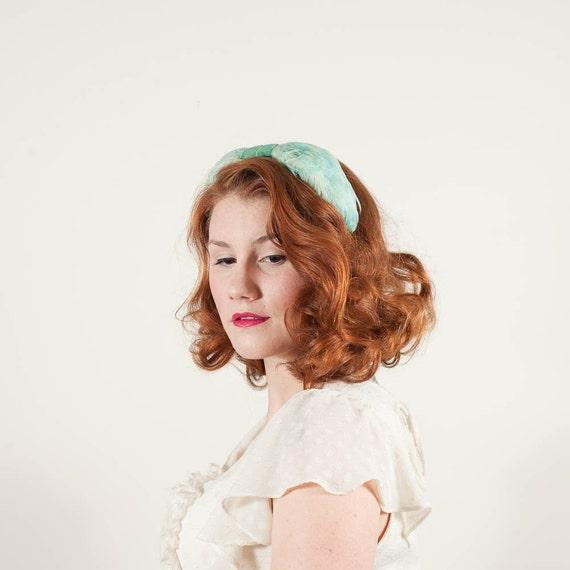 reserved / vintage 1950s hat / fascinator / Watercolor