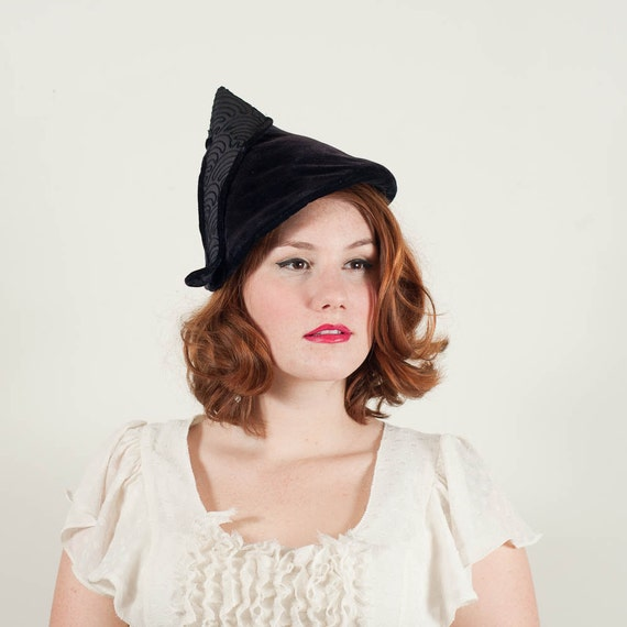vintage 1930s hat / slouch / Bewitching