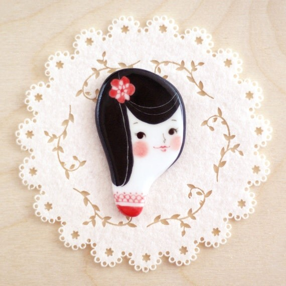 minini hand painted porcelain brooch pin or magnet by min lee 12041