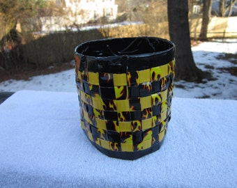 Woven Duct Tape Flower Pot Holder