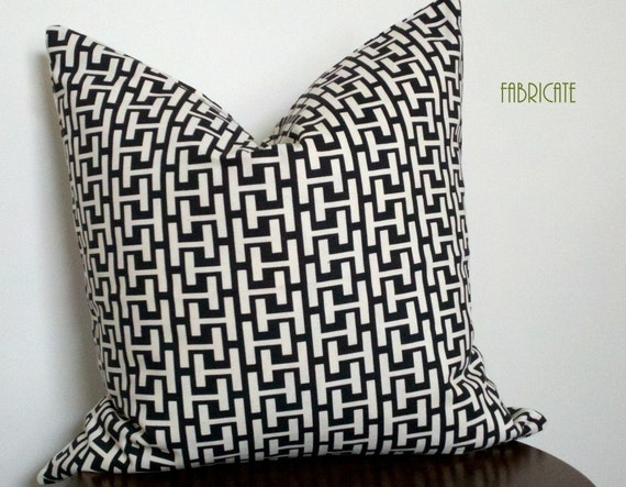 Ladder Chain Black and White- Pillow Cover