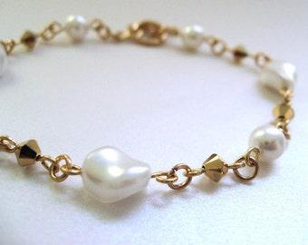 White Pearl Bracelet, White and Gold Elegant Bracelet, White Bridal Jewelry, Faux Pearl Wedding Jewelry