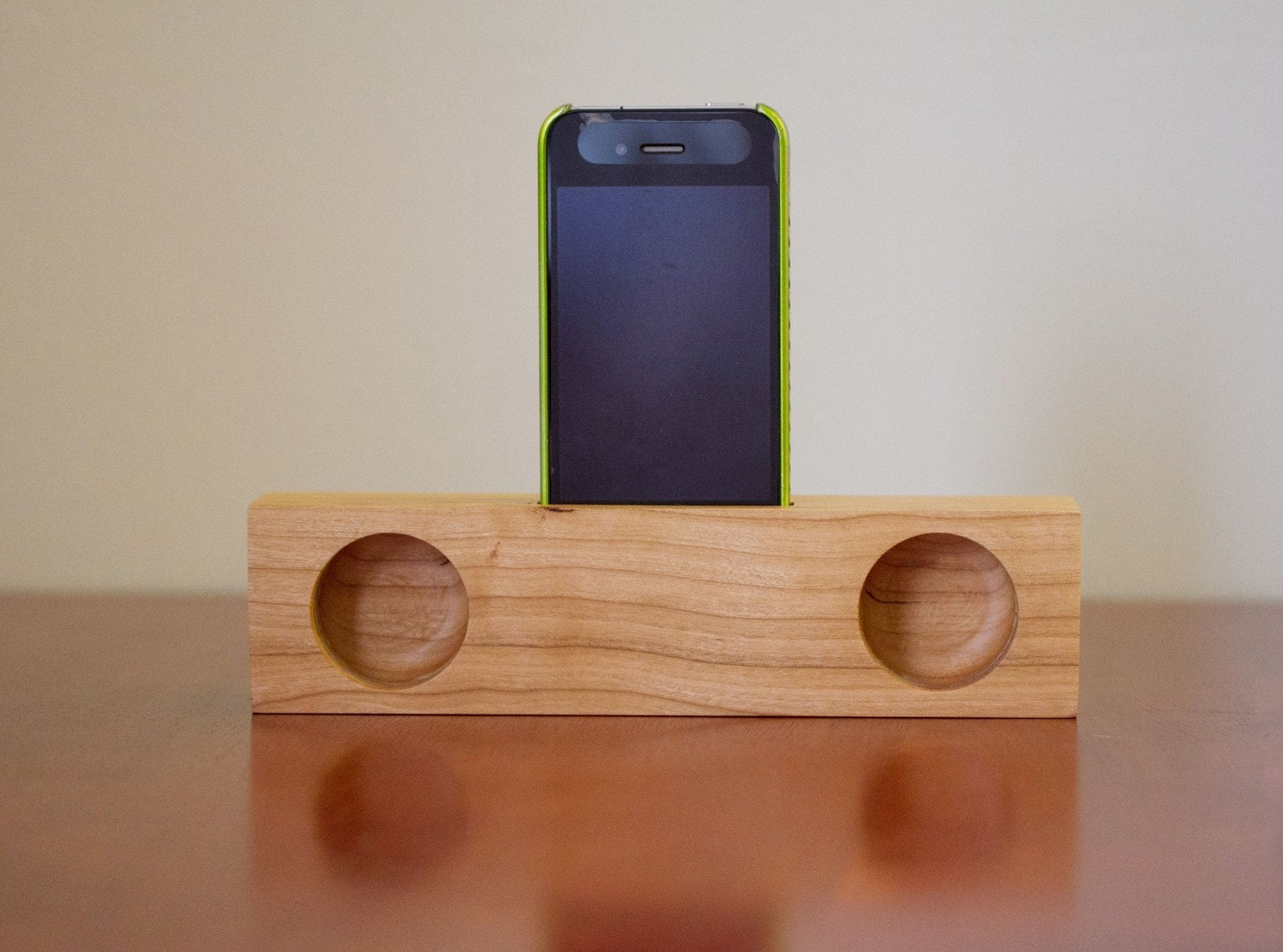 iphone acoustic speaker cherry. Black Bedroom Furniture Sets. Home Design Ideas