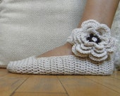 Pattern PDF - Mary Jane slippers -  crochet flower applique - DIY tutorial - Quick and easy -  lace fashion wedding bride