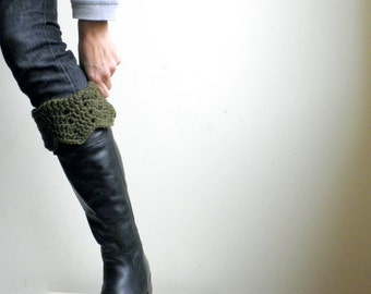 Crochet pattern PDF,  Boot cuffs,  leg warmers short socks, DIY tutorial, ripple chevron boot toppers