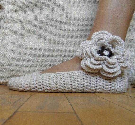 Crochet PATTERN Mary Jane slippers,  crochet flower applique, festival, bride,  DIY tutorial, PDF Instant download